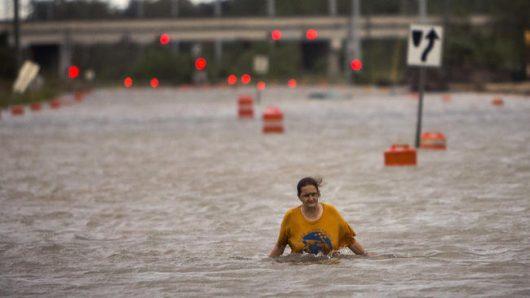 huragan-matthew-zabil-na-haiti-okolo-tysiaca-osob-w-karolinie-polnocnej-ogloszono-stan-wyjatkowy-ze-wzgledu-na-zniszczenia-i-powodz-6
