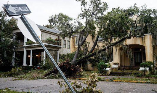 huragan-matthew-zabil-na-haiti-okolo-tysiaca-osob-w-karolinie-polnocnej-ogloszono-stan-wyjatkowy-ze-wzgledu-na-zniszczenia-i-powodz-9