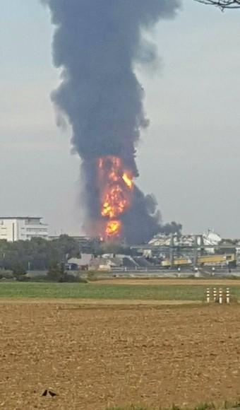 ludwigshafen-niemcy-eksplozja-i-potezny-pozar-w-zakladach-chemicznych-basf-2