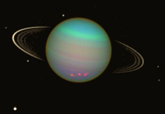 sonda-voyager-2-zarejestrowala-prawdopodobnie-dwa-nieznane-ksiezyce-urana