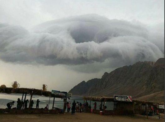 ulewny-deszcz-w-egipcie-26-ofiar-powodzi-blyskawicznych-17