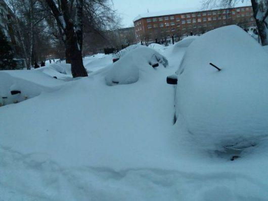 oskemen-kazachstan-ogromne-opady-sniegu-miasto-zostalo-zasypane-2