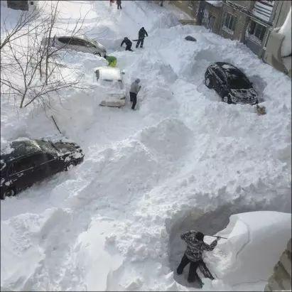 oskemen-kazachstan-ogromne-opady-sniegu-miasto-zostalo-zasypane-3