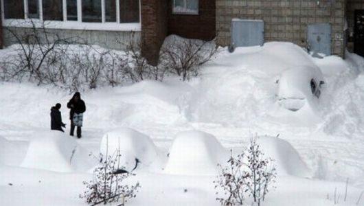 oskemen-kazachstan-ogromne-opady-sniegu-miasto-zostalo-zasypane-5