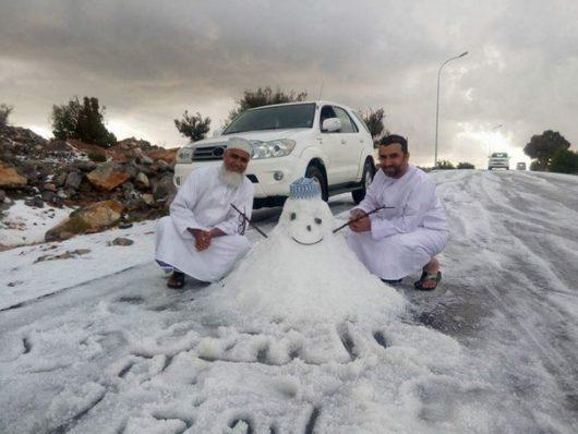ogromna-anomalia-w-arabii-saudyjskiej-pustynia-zasypana-sniegiem-i-temperatury-ujemne-15