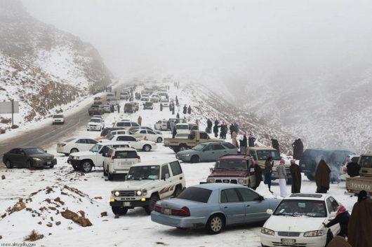 ogromna-anomalia-w-arabii-saudyjskiej-pustynia-zasypana-sniegiem-i-temperatury-ujemne-2
