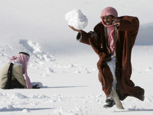 ogromna-anomalia-w-arabii-saudyjskiej-pustynia-zasypana-sniegiem-i-temperatury-ujemne-4