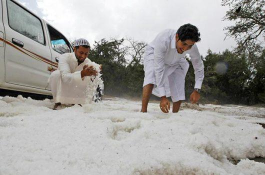 ogromna-anomalia-w-arabii-saudyjskiej-pustynia-zasypana-sniegiem-i-temperatury-ujemne-7