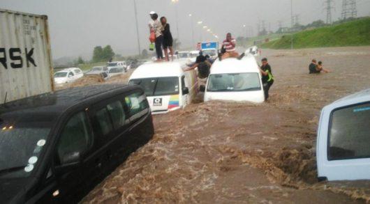 po-kilkumiesiecznej-suszy-ogromna-powodz-w-republice-poludniowej-afryki-3