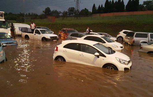 po-kilkumiesiecznej-suszy-ogromna-powodz-w-republice-poludniowej-afryki-4