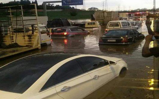 po-kilkumiesiecznej-suszy-ogromna-powodz-w-republice-poludniowej-afryki-5