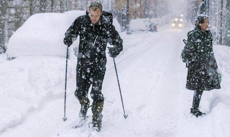 sztokholm-szwecja-duze-opady-sniegu-sparalizowaly-ruch-drogowy-10