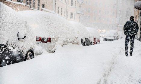 sztokholm-szwecja-duze-opady-sniegu-sparalizowaly-ruch-drogowy-4