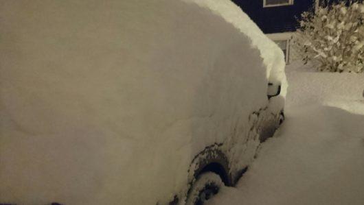 sztokholm-szwecja-duze-opady-sniegu-sparalizowaly-ruch-drogowy-6