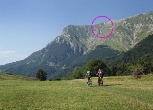 wlochy-na-skutek-trzesienia-ziemi-pekla-potezna-gora-monte-vettore-1