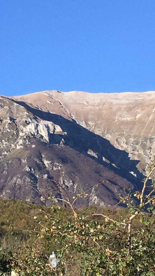 wlochy-na-skutek-trzesienia-ziemi-pekla-potezna-gora-monte-vettore-4