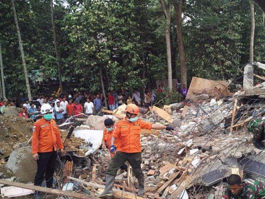 indonezja-trzesienie-ziemi-na-sumatrze-9