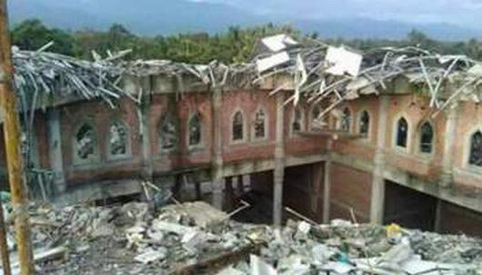 indonezja-w-trzesieniu-ziemi-na-sumatrze-o-sile-6-5-zginelo-ponad-100-osob-1