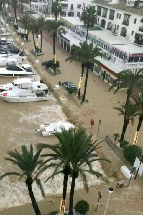 malaga-hiszpania-najwieksze-od-27-lat-opady-spowodowaly-powodz-15