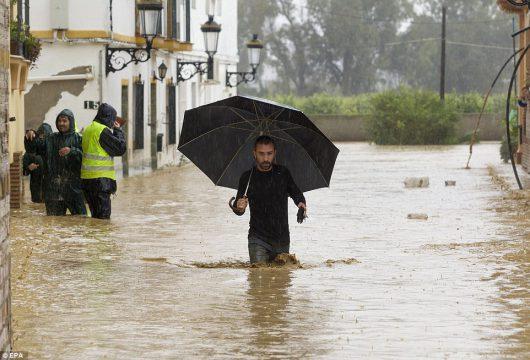 malaga-hiszpania-najwieksze-od-27-lat-opady-spowodowaly-powodz-2
