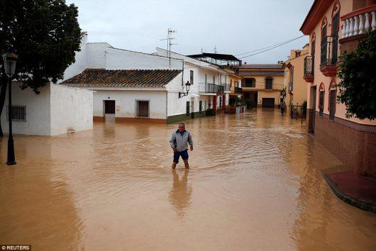 malaga-hiszpania-najwieksze-od-27-lat-opady-spowodowaly-powodz-4