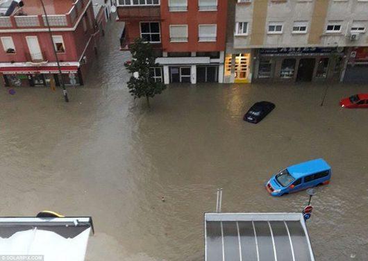 malaga-hiszpania-najwieksze-od-27-lat-opady-spowodowaly-powodz-7