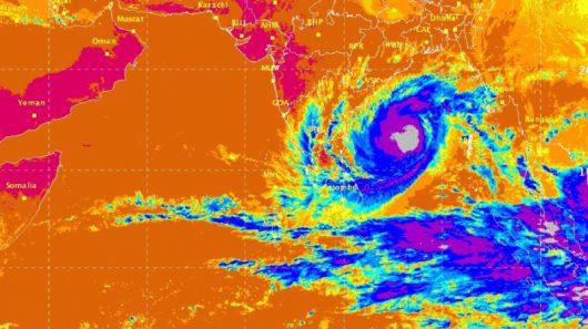 obraz-satelitarny-cyklonu-vardah