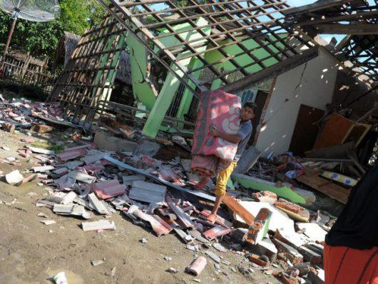 zniszczenia-po-czwartkowym-silnym-trzesieniu-ziemi-na-wyspach-salomona-1