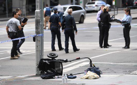 Australia – Świr samochodem rozjeżdżał ludzi na chodniku w Melbourne, 3 osoby zginęły, 20 zostało rannych