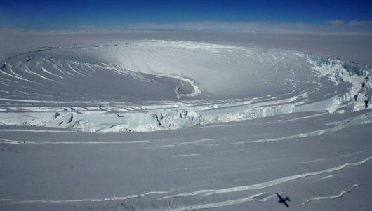 Islandia – W podlodowcowym jeziorze odkryto nowe szczepy bakterii, Skaftárkatlar znajduje się pod warstwą lodu o grubości 300 metrów