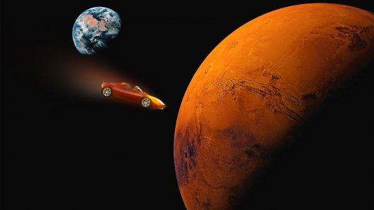 Elon Musk wyśle testowo samochód elektryczny Tesla Roadster na orbitę Marsa