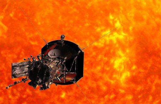 NASA – Sonda Parker Solar Probe latem wyruszy w stronę Słońca, przeleci przez atmosferę naszej gwiazdy z prędkością 700 tysięcy km/h w odległości zaledwie 6.5 mln km od powierzchni