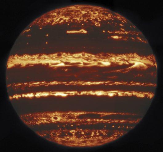 Obserwatorium Gemini na Hawajach zrobiło niezwykłe zdjęcia Jowisza w podczerwieni 4.7 μm