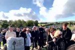 """Irlandia - Niezwykły dowcip zmarłego wywołał śmiech nad jego trumną: """"Halo wypuście mnie, tu jest bardzo ciemno!"""""""