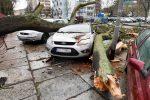 Polska - W nocy na Śląsku porywy wiatru dochodziły do 222 km/h, wiatr uszkodził 1800 budynków