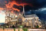 Paryż, Francja - W katedrze Notre Dame alarm przeciwpożarowy włączył się dwa razy, pierwszy raz o 18:20, czyli 30 minut przed pojawieniem się ognia